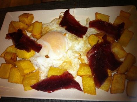 Mercado de Isabela - Huevos de ganso con jamón