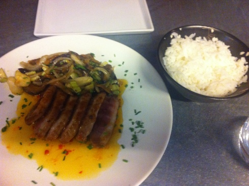 Sukothay - Magret de pato y arroz jazmín