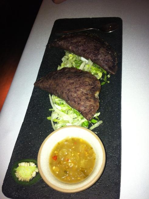 Punto MX - Quesadillas de huitlacoche