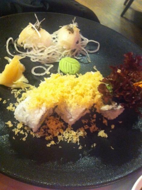 Bam Bou - Nigiri de pez mantequilla y maki crunchy