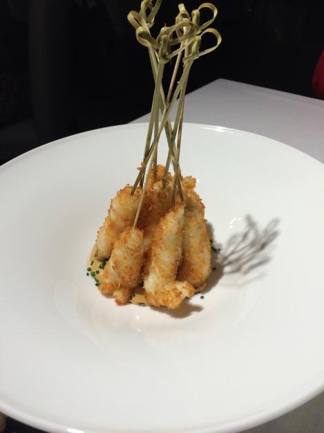 Alabaster - Cigalas empanadas en pan japonés con mayonesa de soja